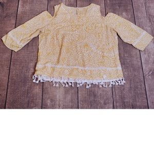 🎀3/30 Chico's Yellow & White Cold Shoulder Blouse